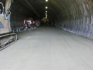 トンネル入り口.jpg