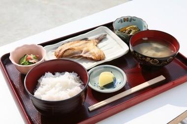 焼き魚定食¥500s.jpg